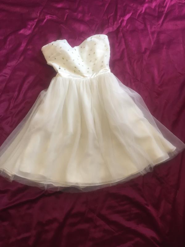 Платье короткое нарядное, котельное, на выпускной или свадебно...