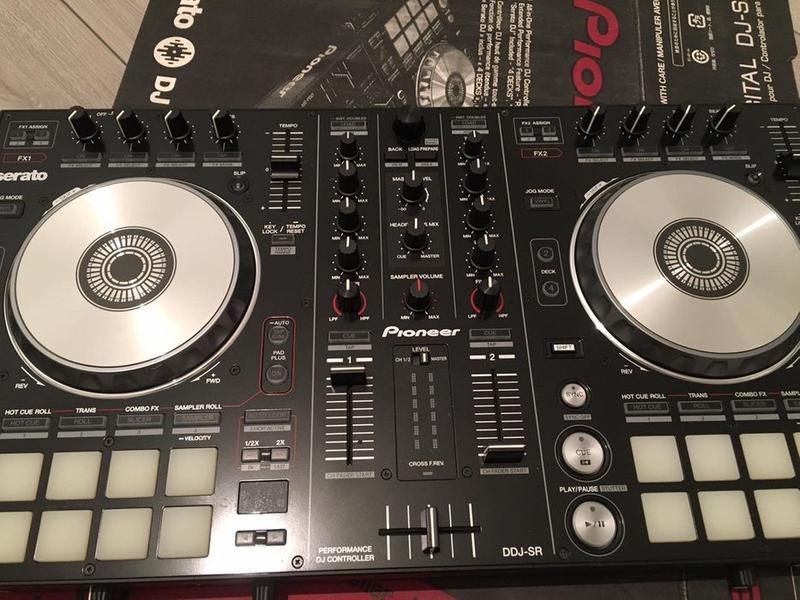 Контроллер Pioneer DJ DDJ-SR
