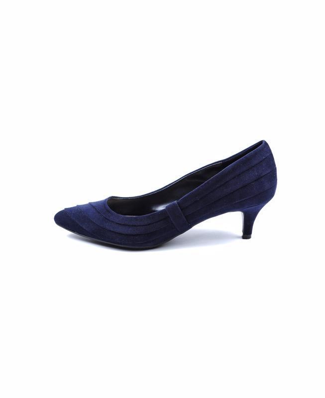 Замшевые туфли лодочки на низком каблуке marks&spencer