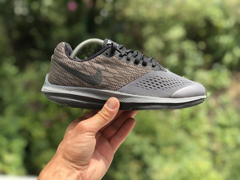 Nike zoom winflo 4 спортивні кросівки оригінал