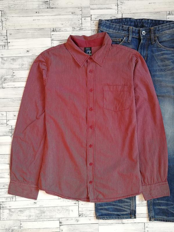 Бордовая рубашка в мелкую полоску