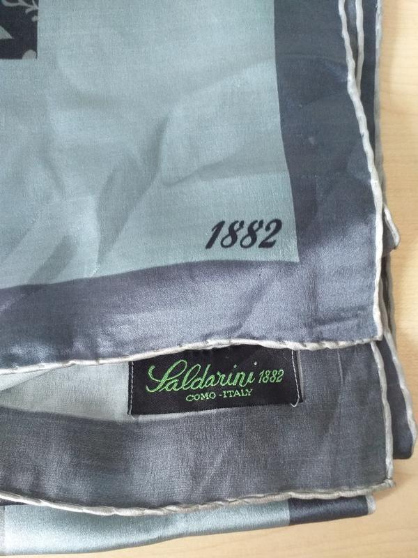 Saldarini 1882 como vintage  большой шелковый платок