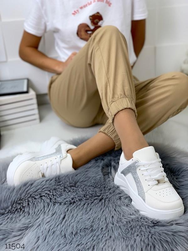 Массивные белые кроссовки на высокой подошве,стильные белые кр... - Фото 5