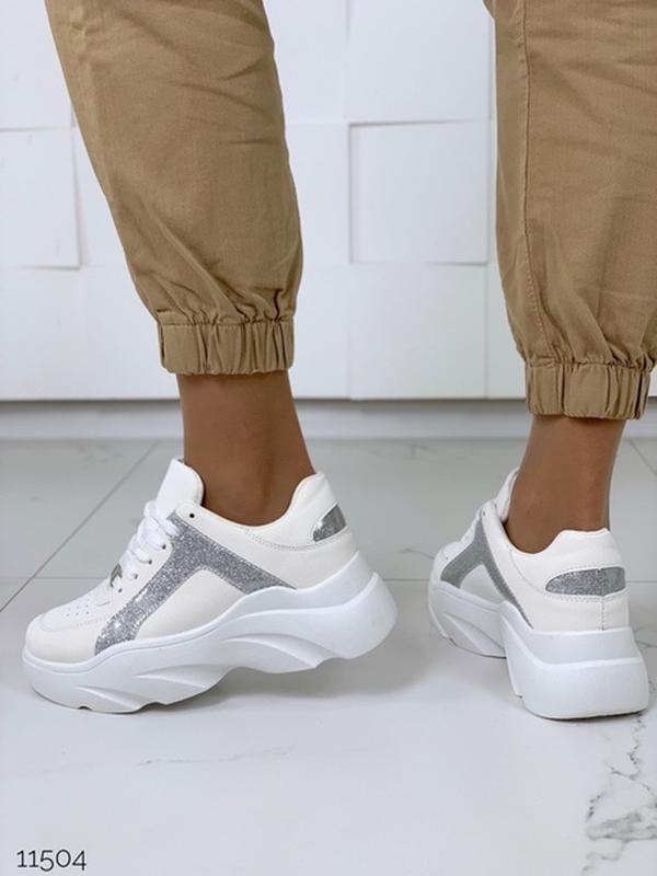 Массивные белые кроссовки на высокой подошве,стильные белые кр... - Фото 7