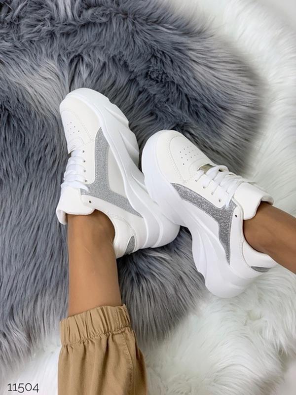 Массивные белые кроссовки на высокой подошве,стильные белые кр... - Фото 9