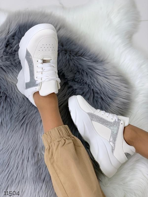 Массивные белые кроссовки на высокой подошве,стильные белые кр... - Фото 10