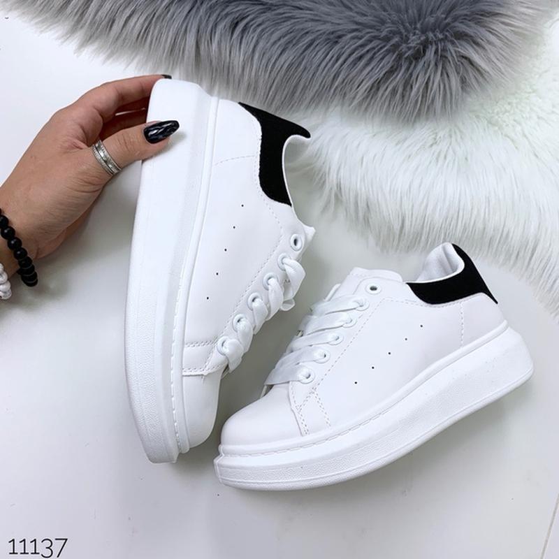 Белые кеды с чёрной пяткой,белые кроссовки на платформе. - Фото 4