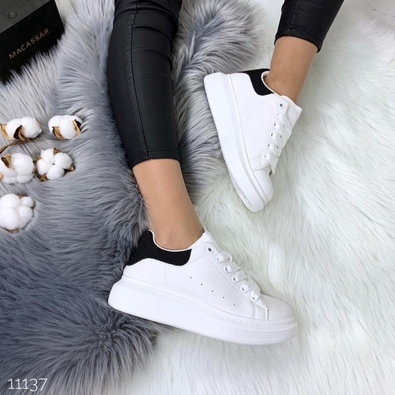 Белые кеды с чёрной пяткой,белые кроссовки на платформе. - Фото 6