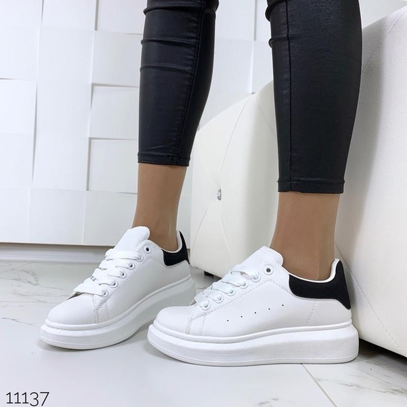 Белые кеды с чёрной пяткой,белые кроссовки на платформе. - Фото 7