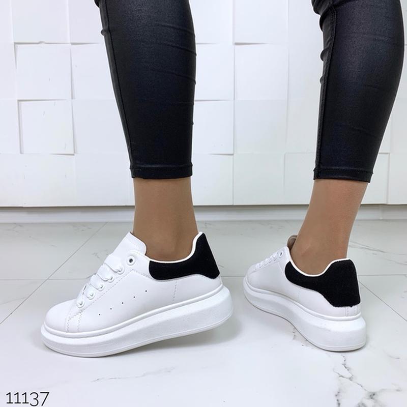 Белые кеды с чёрной пяткой,белые кроссовки на платформе. - Фото 8