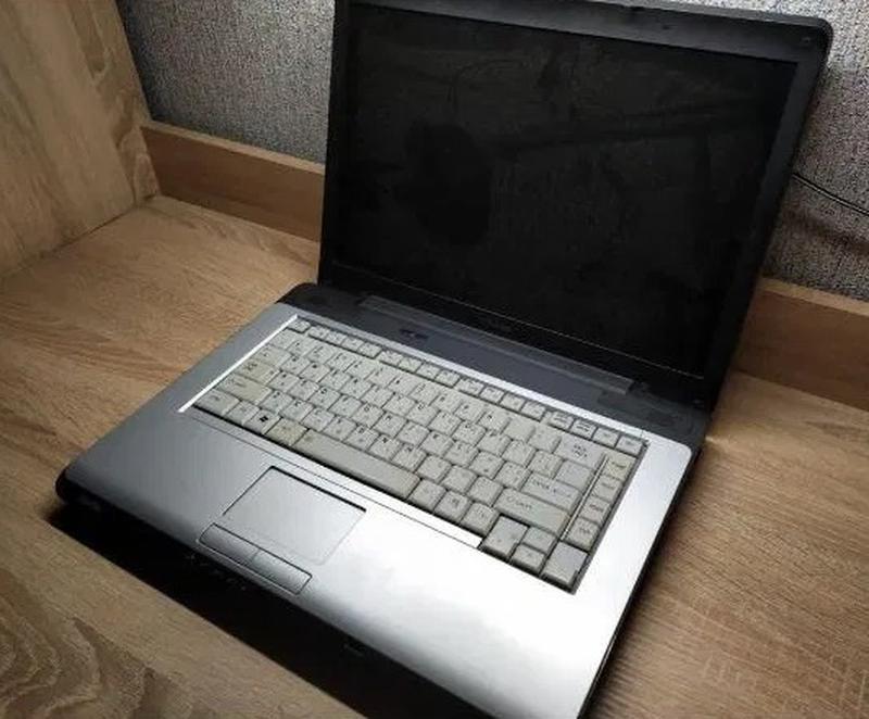 Ноутбук Toshiba satellite a205 (под восстановление/на запчасти)