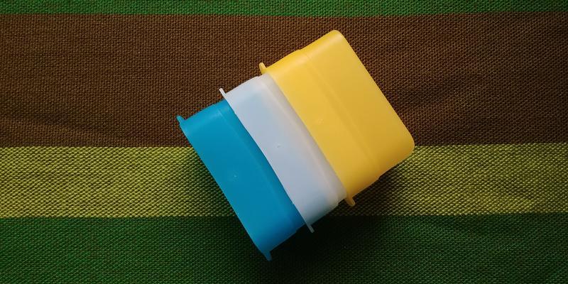 Колпак-рассеиватель 3 цвета для накамерных вспышек