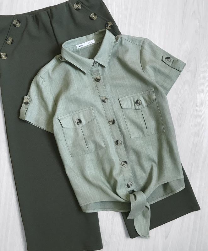 Блуза рубашка на пуговицах с карманами на завязке тренд