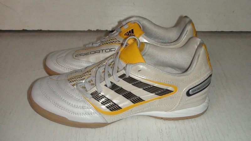 Adidas predator- шкіряні футзалки. р- 36.