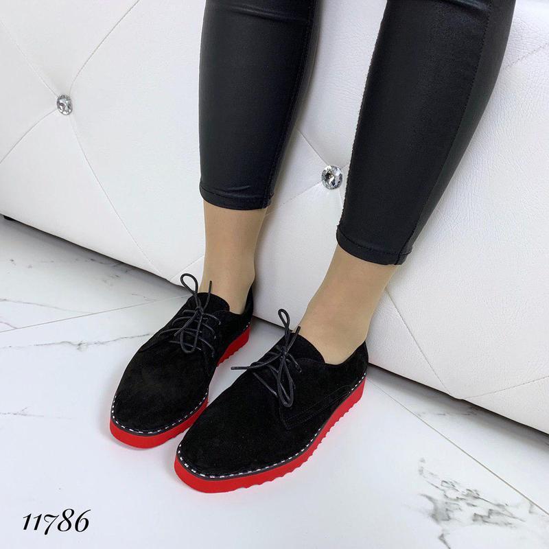 Классические туфельки на яркой подошве - Фото 2
