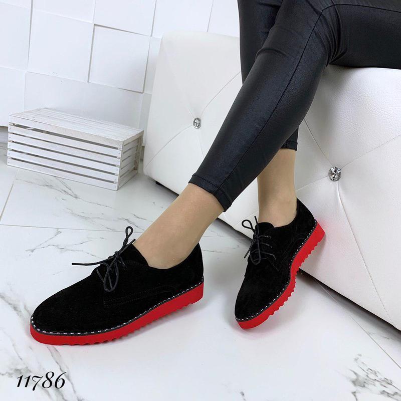 Классические туфельки на яркой подошве - Фото 5