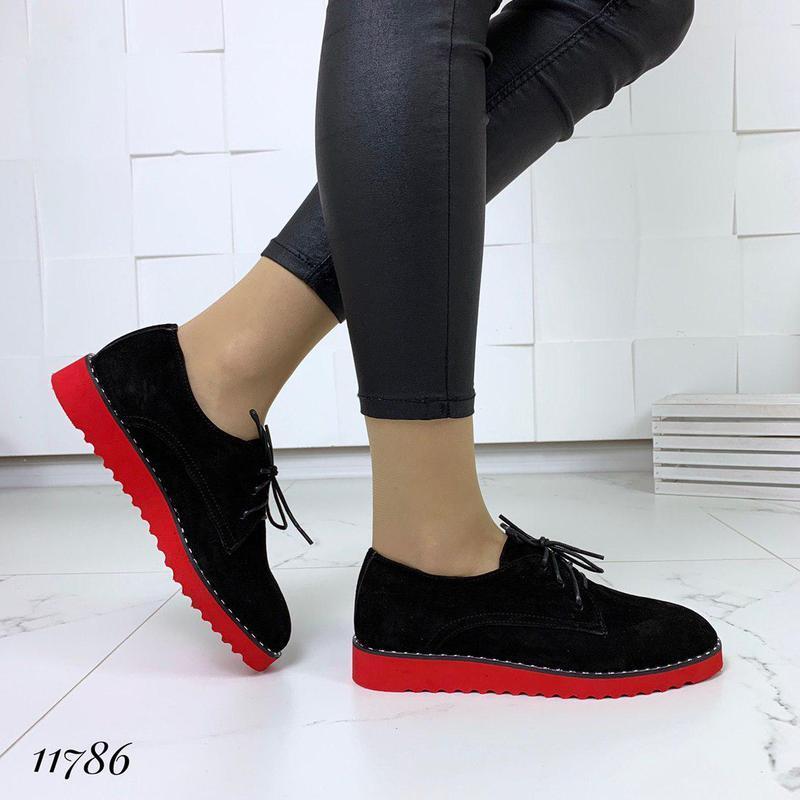 Классические туфельки на яркой подошве - Фото 6