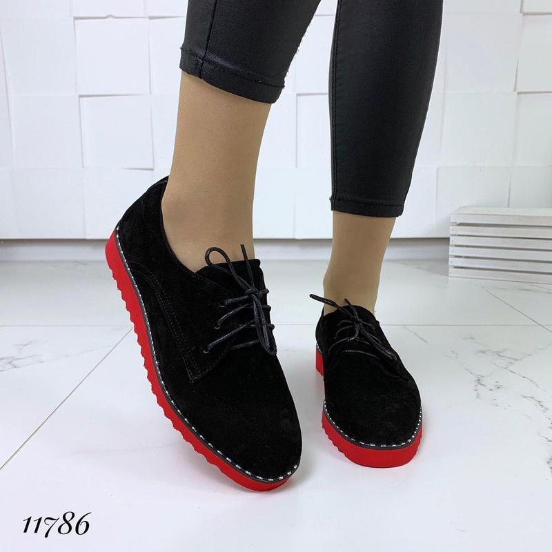 Классические туфельки на яркой подошве - Фото 7