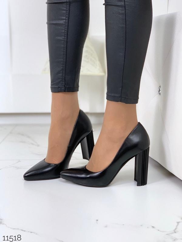 Шикарные черные туфли на удобном каблуке
