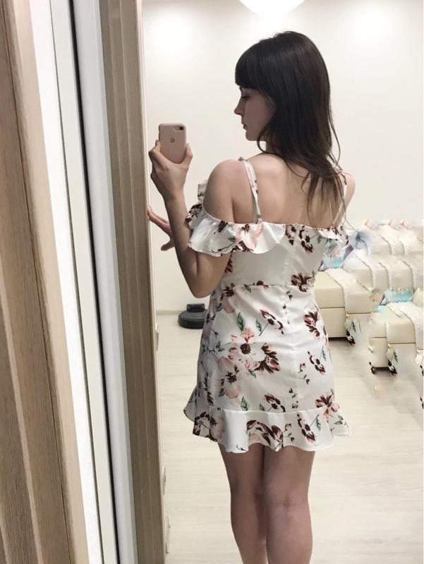 Милейшее цветочное платье с оборками - Фото 3