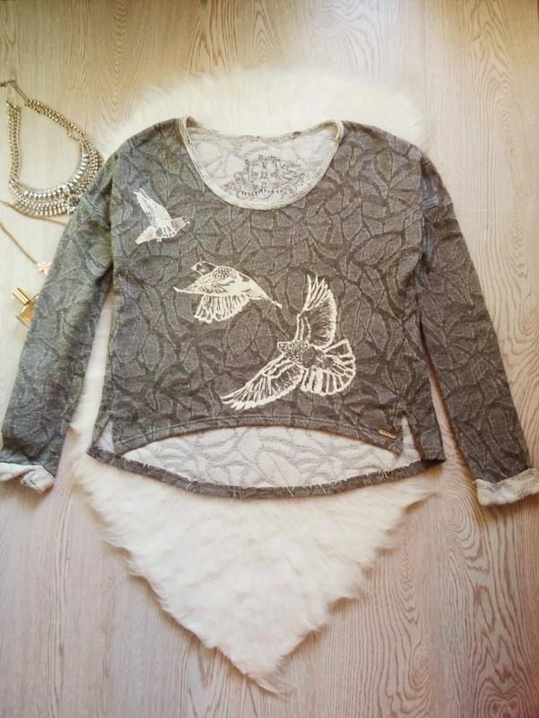 Серый меланж свитшот с белым принтом рисунком птицами оверсайз...