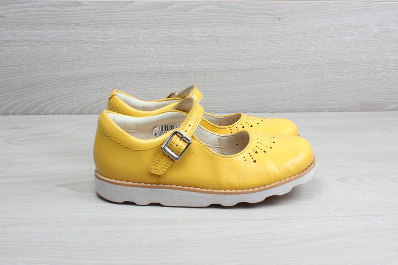 Желтые туфли для девочки clarks оригинал, размер 28 - 29