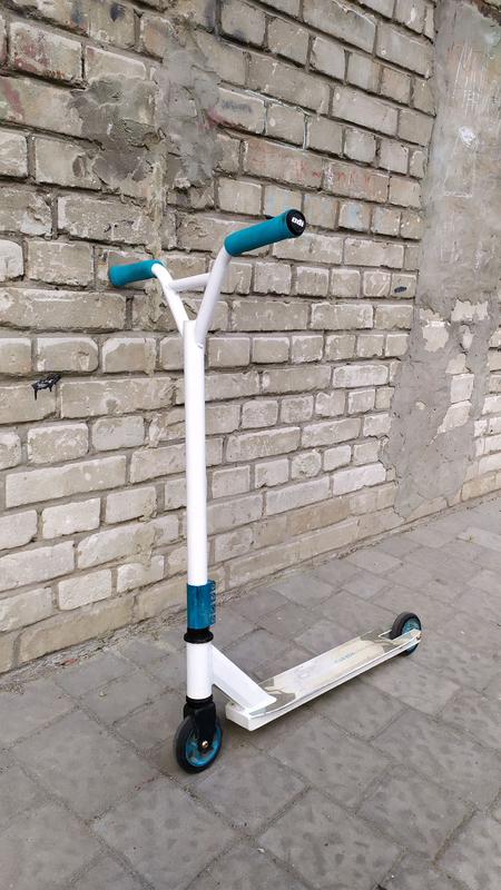 Трюковий самокат Stunt scooter