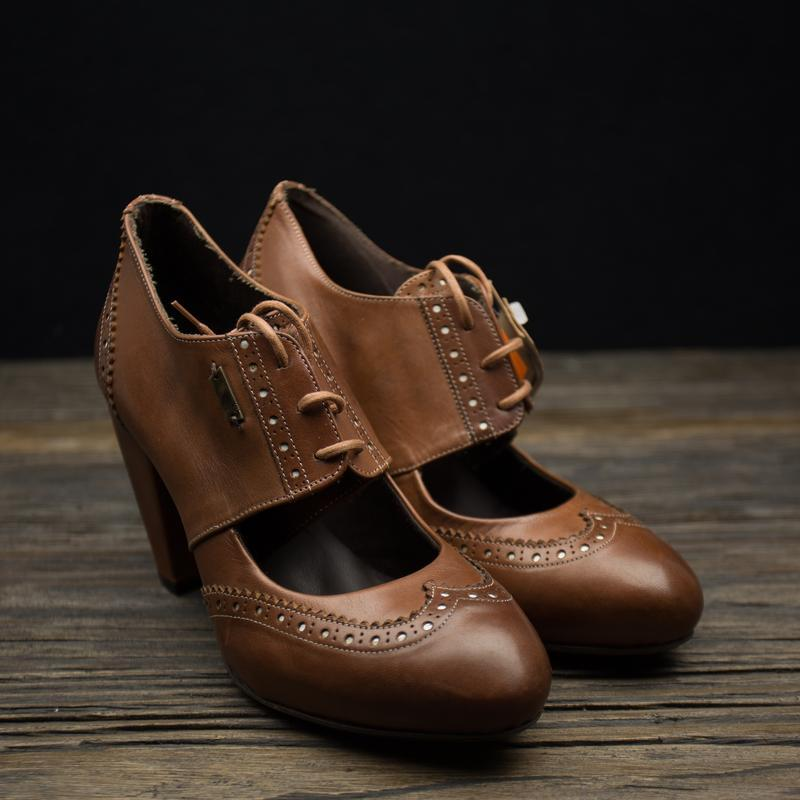 Модні туфлі броги від levi's оригинал р-38