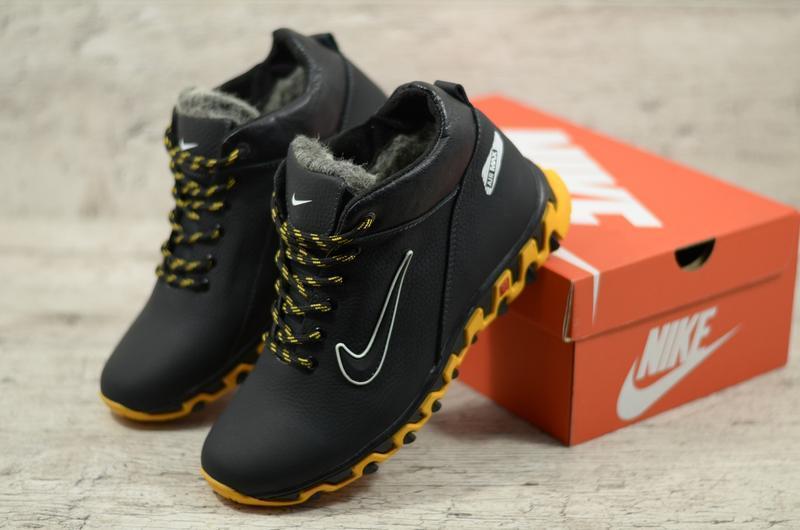 Мужские зимние кожаные ботинки кроссовки на меху на яркой подошве