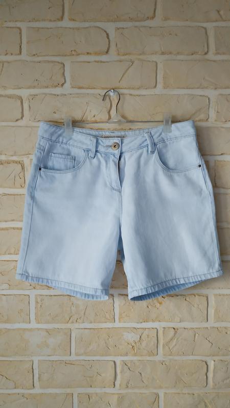 Светлые, джинсовые шорты