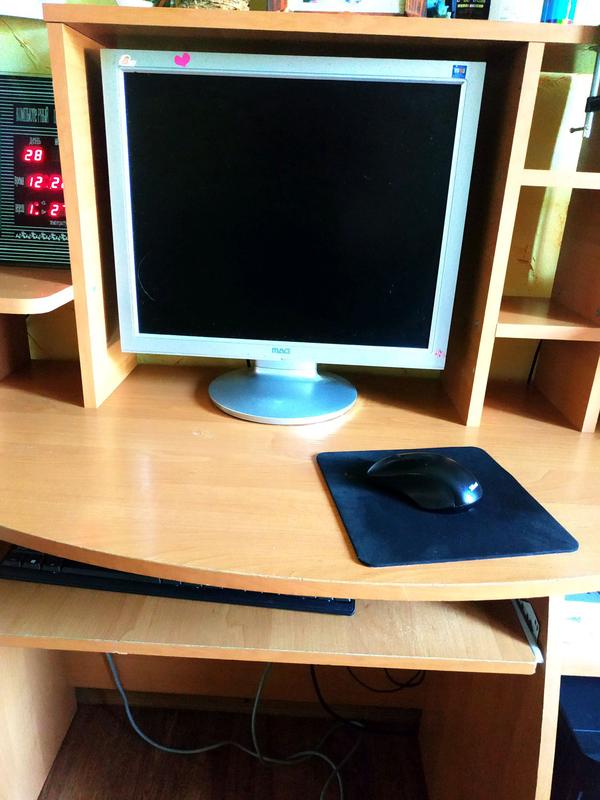 Компьютерный письменный стол с полками - Фото 4