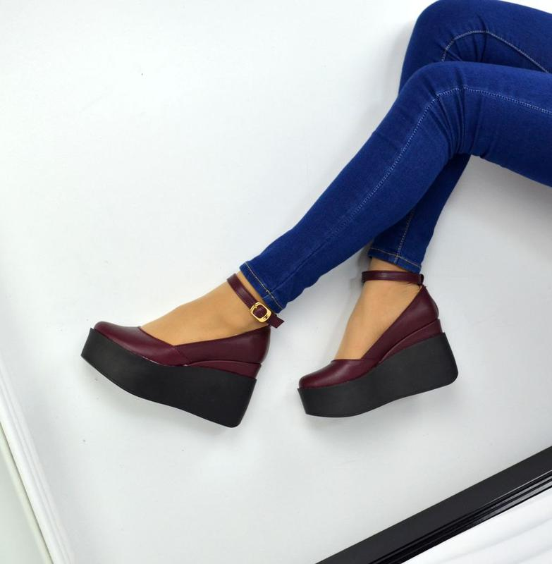 Женские туфли на танкетке с застежкой натуральная кожа/замша - 770 ₴, купить на IZI (6558715)