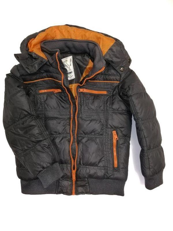 Демисезонная куртка на синтепоне на мальчика 116-122 рост 6 лет