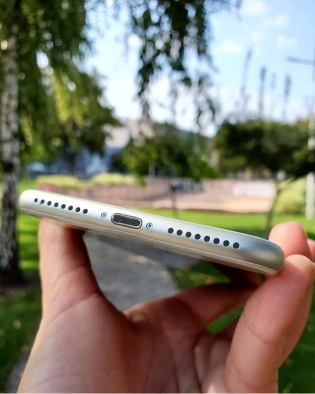 Apple iPhone 7 Plus - Фото 2