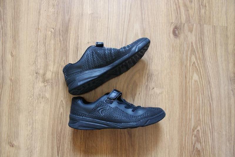 Фантастические унисекс черные кроссовки clarks - Фото 3