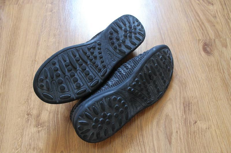 Фантастические унисекс черные кроссовки clarks - Фото 5