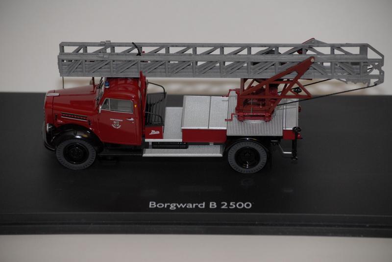 Пожарная машина Borgward - B 2500 -Freiwillige Feuerw Schuco 1:43