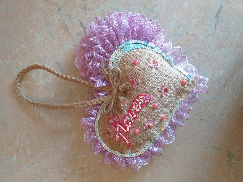 Декоративна подушка-серце авторська робота - Фото 2