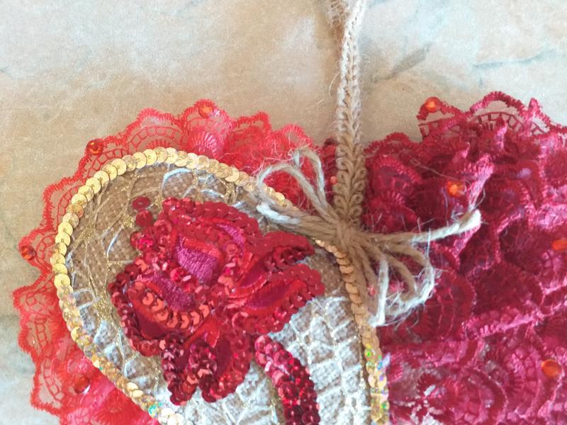 Декоративна подушка-серце авторська робота - Фото 5