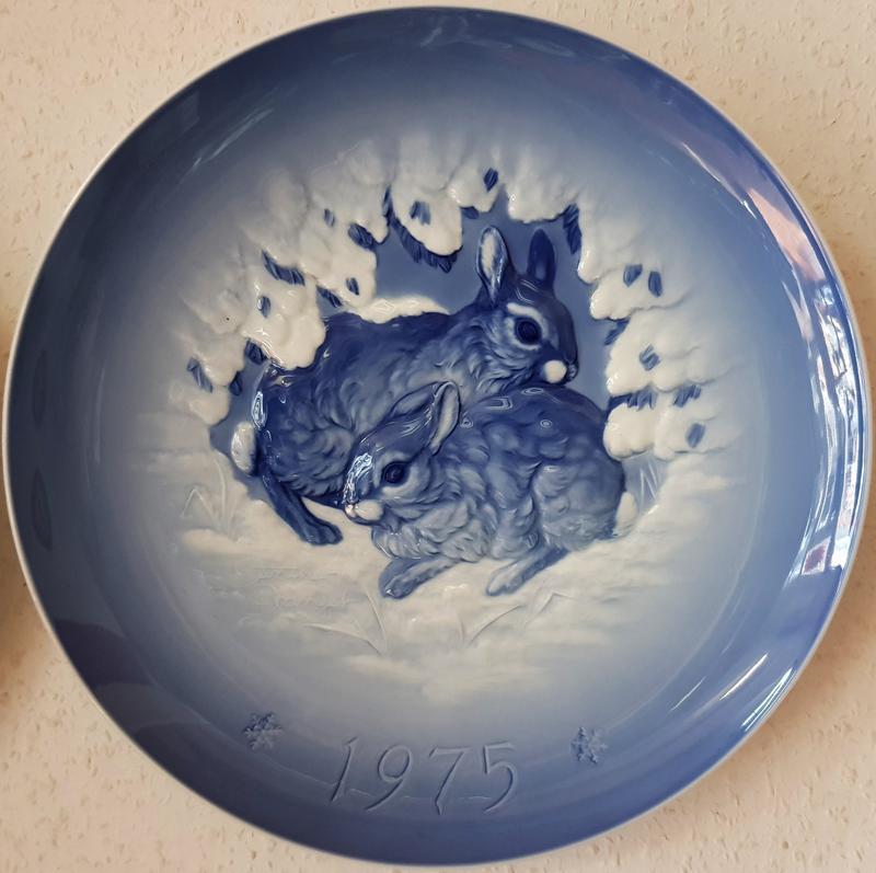 Продам большую, немецкую фарфоровую тарелку фирмы Hutschenreuther