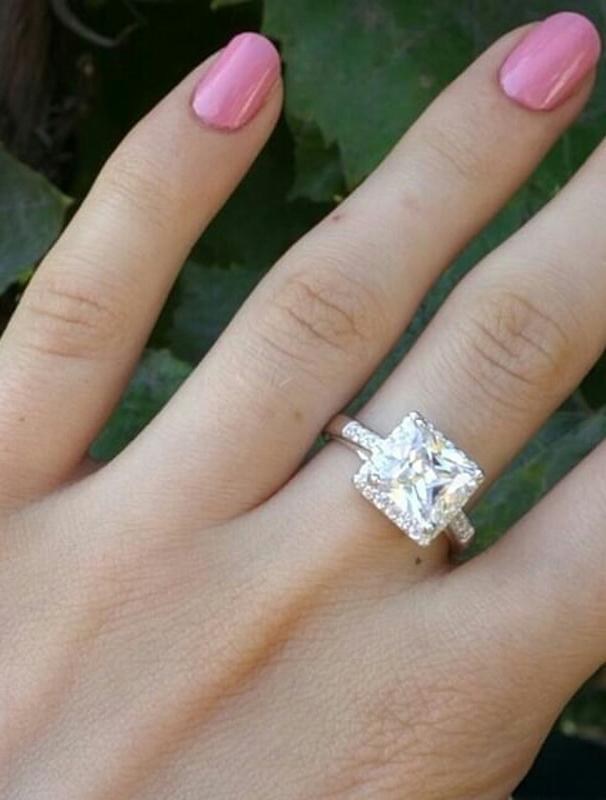 Кольцо квадратное с камнем