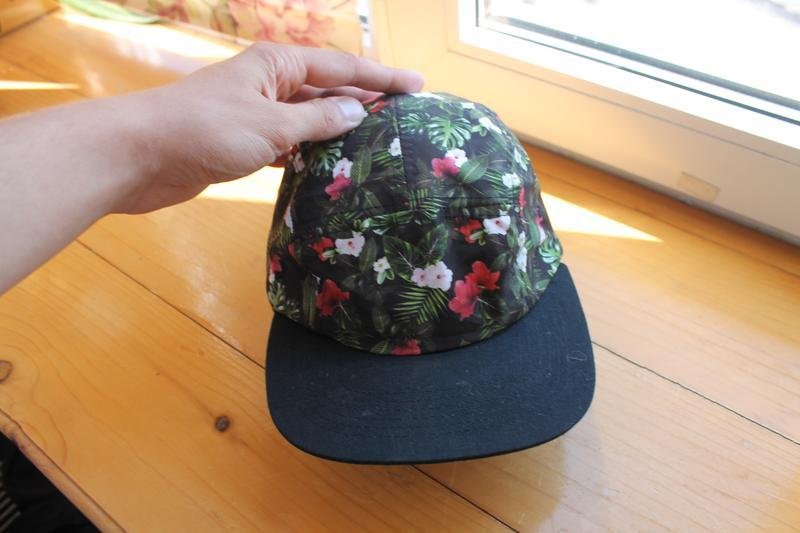 Привлекательная яркая унисекс кепка/бейсболка в цветы asos pan... - Фото 3