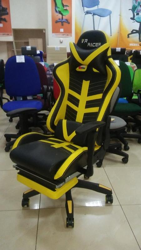 Кресло VR Racer BattleBee черный/желтый
