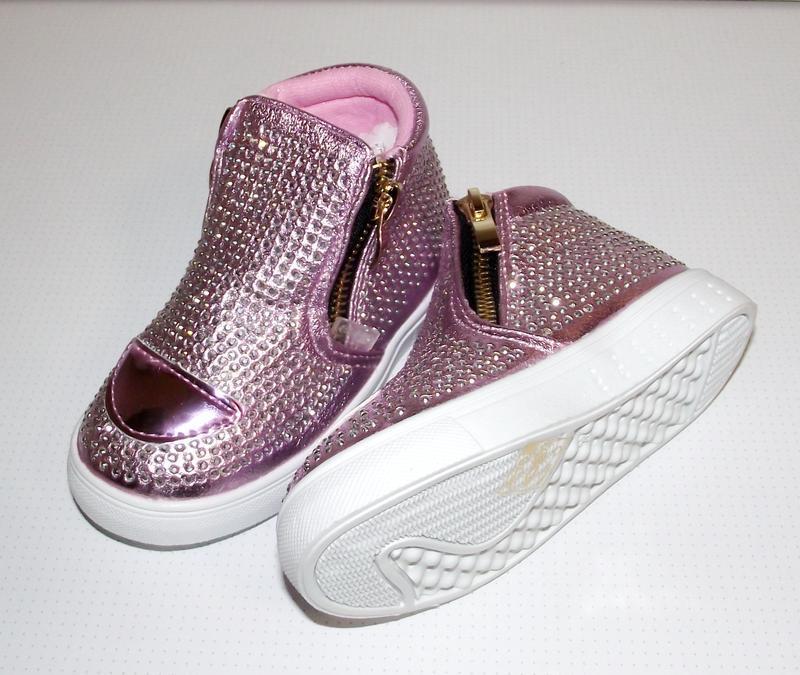 Демисезонные  ботинки для девочек clibее румыния