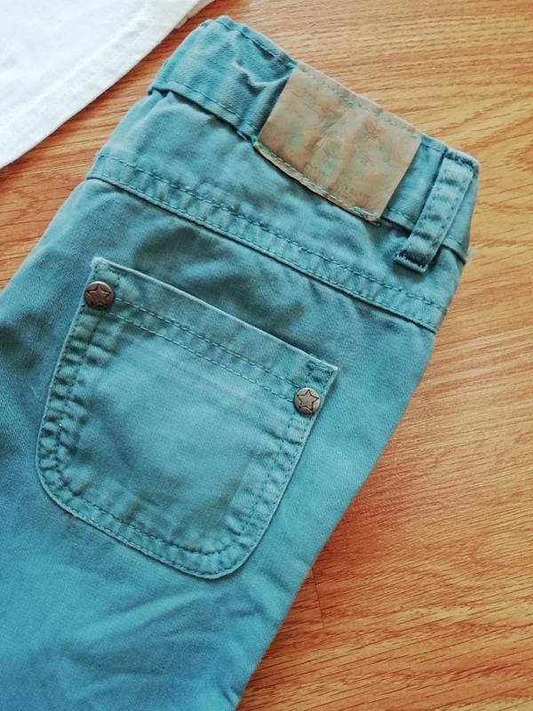Детские зауженные актуальные коттоновые брюки - джинсы для мал... - Фото 5