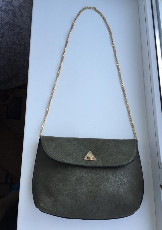 Стильная сумка кросс-боди на цепочке зеленая