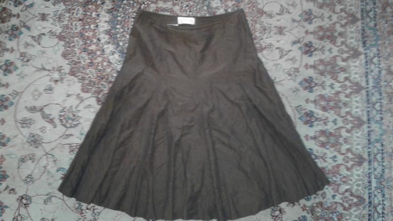 Жатая юбка цвета хаки с легким мерцанием