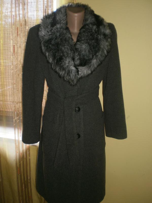 Шикарнейше пальто з густим пишним мехом dorothy perkins