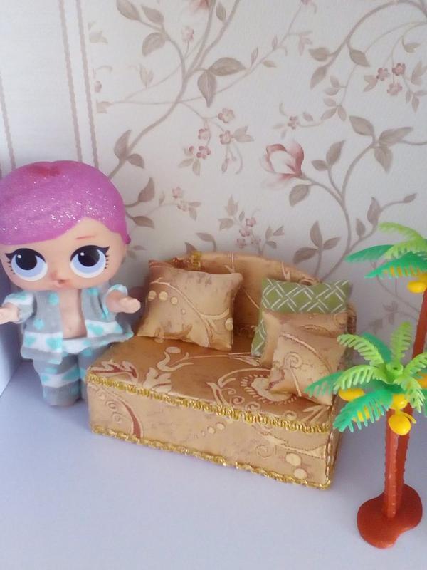 Диван для кукол Лол. Мебель для кукольного домика.