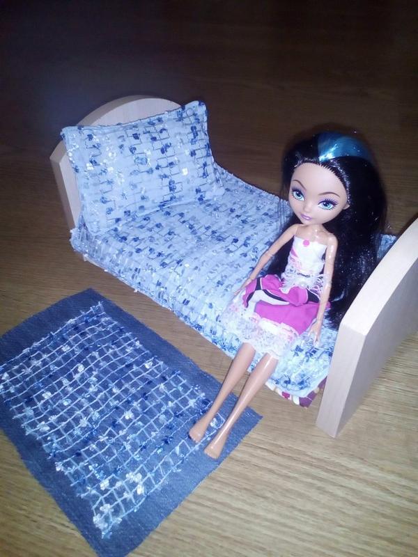 Кровать и постель для Барби, Монстер Хай, Эвер Хай. Ручная работа - Фото 3